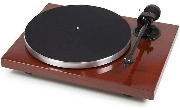 Pro-Ject 1Xpression is the best mid-range turntable for audiophiles